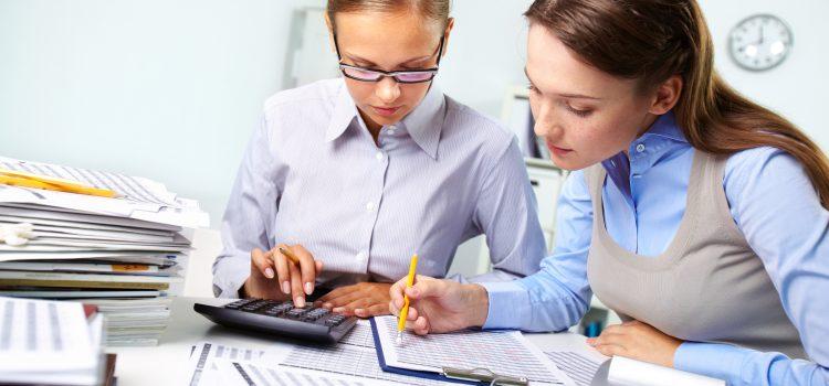 FOUR Reasons Women Should Consider Hiring a Financial Advisor.