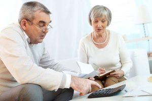 elderly-couple-splitting-assets